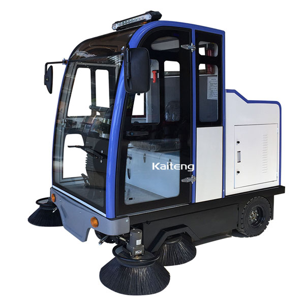 KTS200驾驶式吸尘扫地车 全封闭环卫电动扫地机